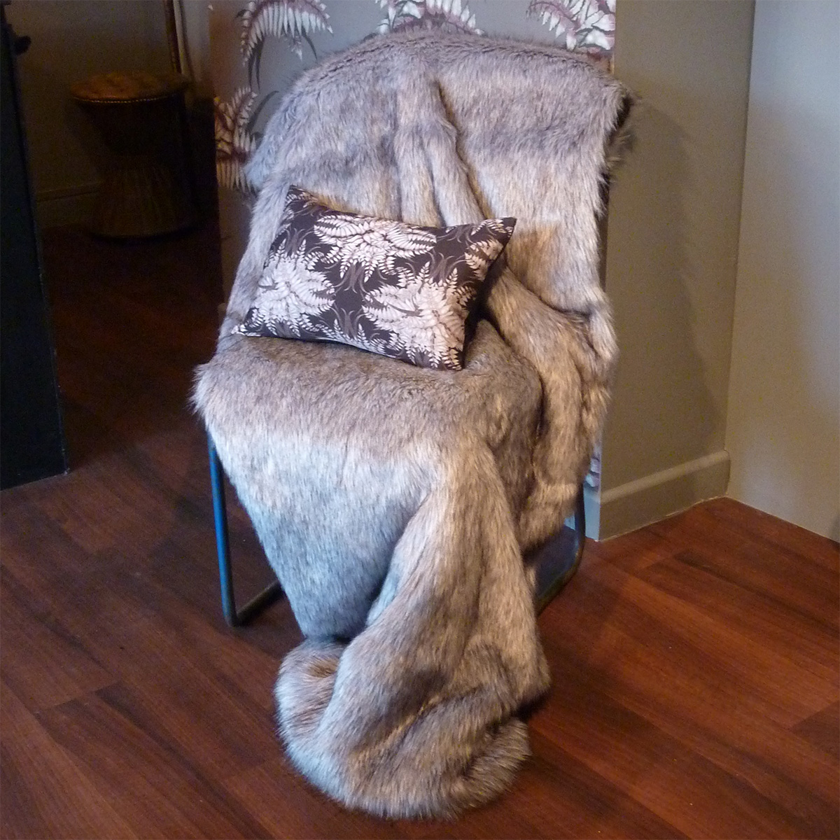 Large Faux Fur Throw Silver Grey Musquash